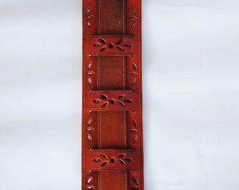 Guitar strap. Reinforcement shoulder to shoulder bags