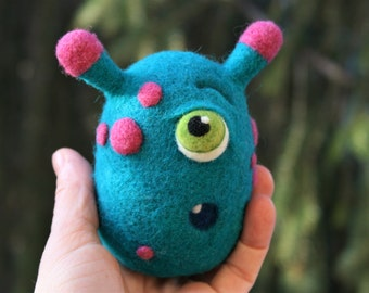 Charlie - Needle felted monster, Handmade wool figurine, Soft toy, Fiber Art, Turquoise Hot pink monster
