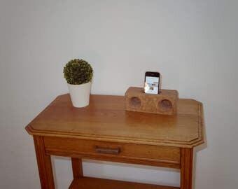 Natural stereo speaker in dark wood