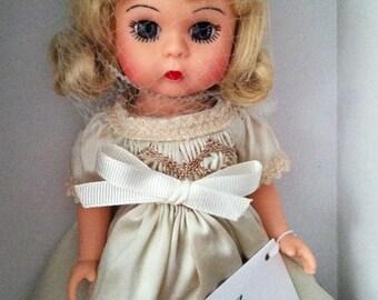 Madame Alexander Now I Lay Me Down To Sleep Wendy Doll