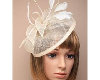 ivory looped hatinator, ladies hatinator, wedding hatinators, formal hats, headband fascinator, ivory wedding fascinator, ladies day hats
