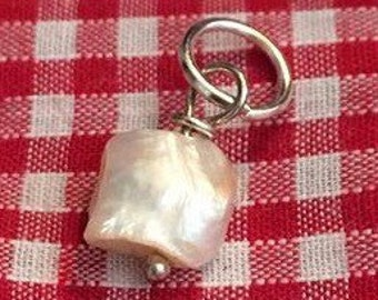 Freshwater pearl collar charm