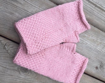 Honeycomb Fingerless Gloves (in rose pink)
