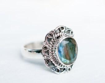 Rainbow Labradorite Ring ~ Gemstone ~ Natural ~ Sterling Silver 925 ~ Jewelry ~ Handmade ~ February Birthstone~Statement ~Gift for Her~MR063