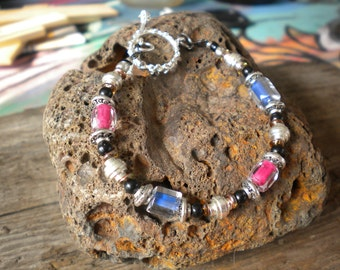 Very nice Glass and Metal bead combination bracelet.