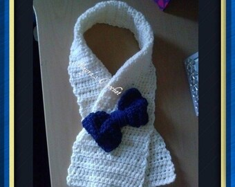 Cozy Crochet Scarf with Bow