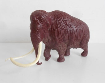 Vintage Natural History Museum Woolly Mammoth Dinosaur Model by Invicta 1975