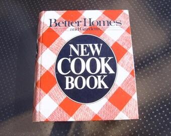 Vintage Better Homes and Gardens Cookbook,Collectible Cookbook,Ringbound Cookbook