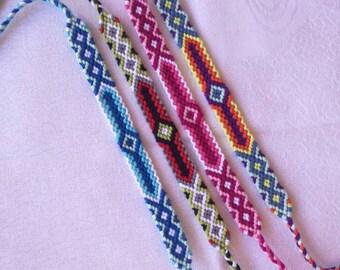 Colorful braided bracelet, Friendship bracelet, Handwoven bracelet, Wrist band, Knotted bracelet, String bracelet, Handmade bracelet, Boho