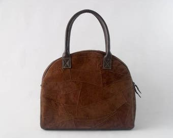 how to carry a purse with short handles