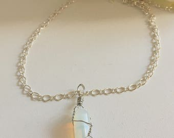 Wire wrapped Natural quartz healing stone crystal pendant chain