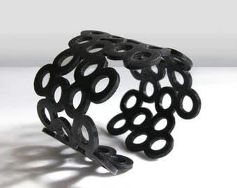 Small circles bracelet