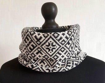 Infinity scarf, circle scarf, winter scarf, black and white scarf, merino wool scarf, scandinavian scarf, scandinavian scarves