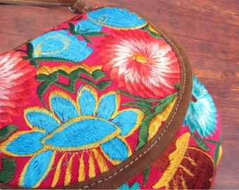 mexican handbag / flower embroidery /red and blue