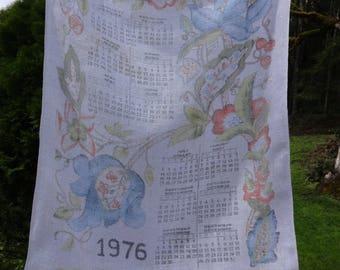 Vintage bicentennial tea towel