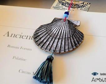 Handmade Bookmark // Thick Paper Art  // Unique Bookmark // Seashell Ornament // Bookish Gift  // Booklover Gift  //  Beautiful Bookmark