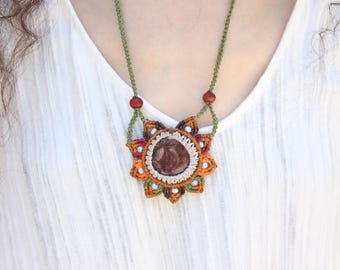 Micromacrame neckles with a stone and glass beads