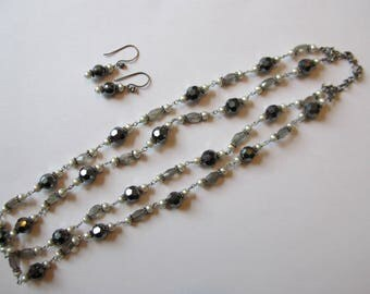 Necklace and Earrings Set gray and pearl tone