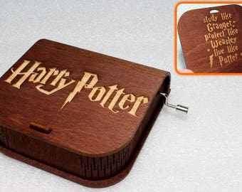 "Harry Potter - Engraved Wooden Music Box - ""Harry's Wondrous World"" Study Like Granger - Hand Crank Movement"