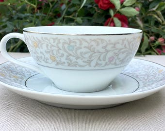 SALE Floral vintage china for 6 (36 pieces)