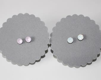 Earring in small, modern with sparkling stone in white or rose jewellery earring filigree
