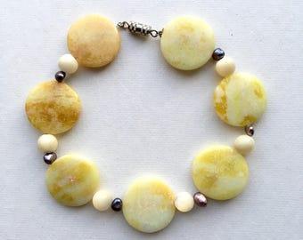 Lemon Jade & Pearl Beaded Bracelet