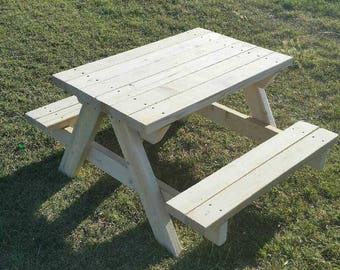 Toddlers/Childrens Picnic Tables