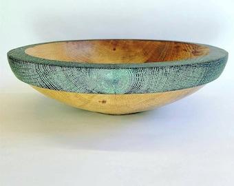 Oak bowl with special affect rim