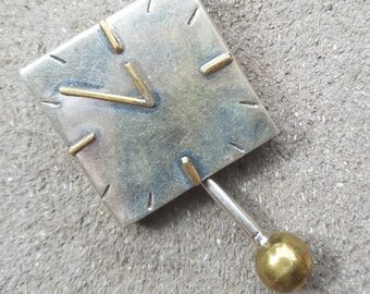 Vintage Sterling Silver 925 Taxco TS-79 Laton Clock Brooch Pin with movable Pendulum