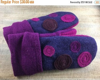 40% OFF- Purple Felted Mittens- Grape Jelly Dots-Upcycled Wool-Teen-Women