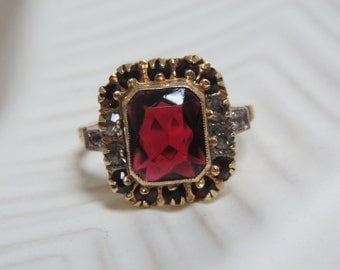 Edwardian Deco PS Co. 10K and Garnet Paste Cocktail Ring Size 8.5