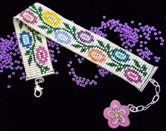 Pretty posies bead-woven bracelet