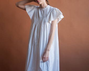 white cotton pintuck maxi dress / flutter sleeve embroidered dress / flowy ethereal maxi dress / s / m / 2150d /