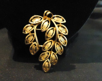 Gold Leaves Leaf Brooch by Napier Shiny Gold Material Outlined Leaves Pointed Ends 1980's Vintage Costume Jewelry Accessories Elsysvintage