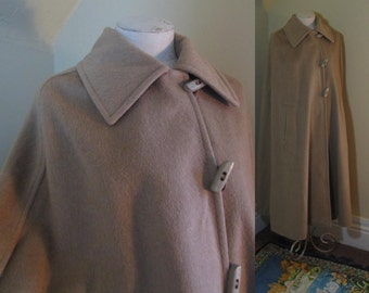 Camel Wool Cape Vintage 70s Blanket poncho Toggles and Loops Vintage Light Brown Cape 70s Wool cloak 70s Tan wool Cape M - L