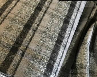 Gray Plaid, Mammoth Plaid Flannel, Black Plaid, Christmas Flannel, Plaid Scarf fabric, Robert Kaufman, Mammoth Flannel in Grey 712
