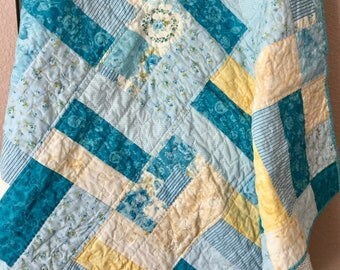 Patchwork Quilt, Quilted Bedding, Handmade Lap Quilt, Lap Quilt, Cotton Quilt, Quilted Throw, Bedroom Decor, Sofa Throw, Mother's Day Gift