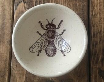 Bee white stoneware earring bowl