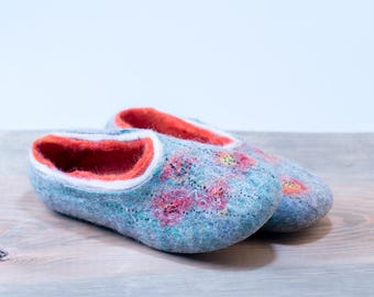 Ready to ship women's wool slippers US 9,5  EU 40 Felted wool slippers decorated with painted poppy seeds Gift for her