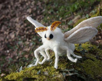 Silk Moth / Bombyx Mori - one-of-a-kind needle felted sculpture / animal / Venezuelan Poodle Moth