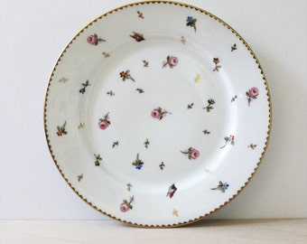 Vintage 1930s porcelain plate, flowers with gold accents.