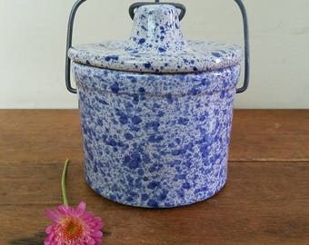 Vintage Blue and White Speckled Pottery Crock, Metal Bail Close