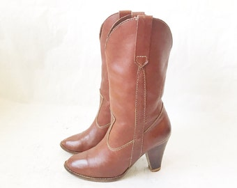 Vintage 80's Brown Leather High Heel Cowboy Boots. Size 6
