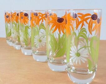 Vintage 1960s 70s Kitchen Glasses • Black Eyed Susans Floral Water Glasses • 6  8 Ounce Everyday Glasses