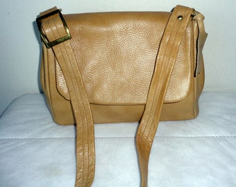 Justin USA Full grain leather  satchel shoulder bag heavy duty mailman bag in honey tan  purse vintage 60s  rare