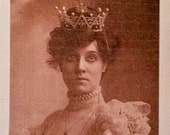 Vintage female fusible image with crown