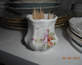 Vintage Shabby Chic looking Porcelain Toothpick Holder