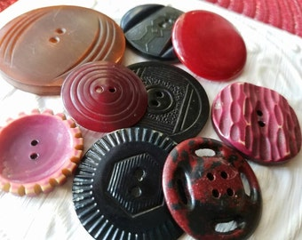 Vintage  Button, 9 large assorted styles in black and red celluloid  (feb 544 17)