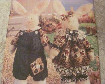53bUTTERICK bUNNY pATTERN, uNCUT, Pair of Rabbits Needle in a Haystack