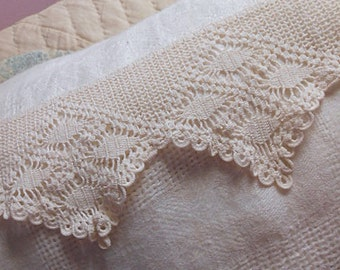 "Antique CROCHET LACE Circular BAND Edwardian Cream Diamond Lattice Design, Tatted Circles Dress Blouse Cape Tablecloth Lampshade 4.5"" x 66"""